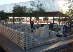 Construção de uma unidade do Senai no Tocantins pela startup Neogyp, que usa blocos de gesso ultrarresistentes